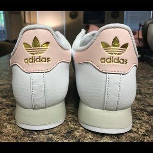 Sneakersbrand nueva poshmark estilo adidas Samoa